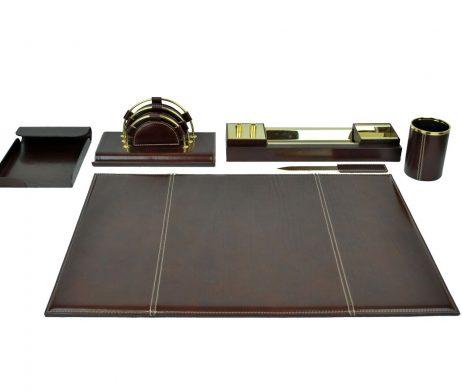 Stolový kancelársky set z pravej kože. Kožený kancelársky set z pravej Talianskej kože. (1)