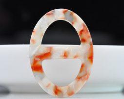 Luxusná pracka na šatku a šál vyrobená zo živice v bielo oranžovej farbe