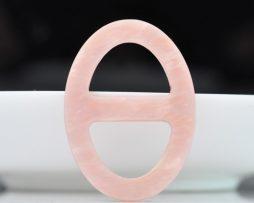 Luxusná pracka na šatku a šál vyrobená zo živice v ružovej farbe