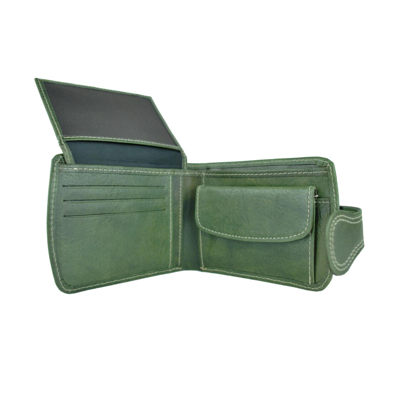 Elegantná kožená peňaženka je vyrobená z prírodnej kože. f55ac56c70c
