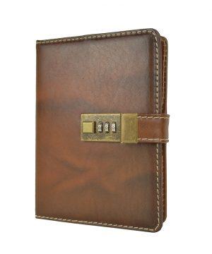 Veľký ručne tieňovaný zápisník z prírodnej kože na heslový zámok, hnedá flakatá farba.