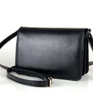 Crossbody kožená kabelka, čierna, uzatváranie - magnet